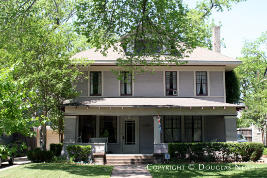 Home in Munger Place - 4933 Victor Street