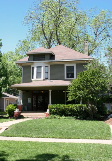 Home in Munger Place - 4947 Victor Street