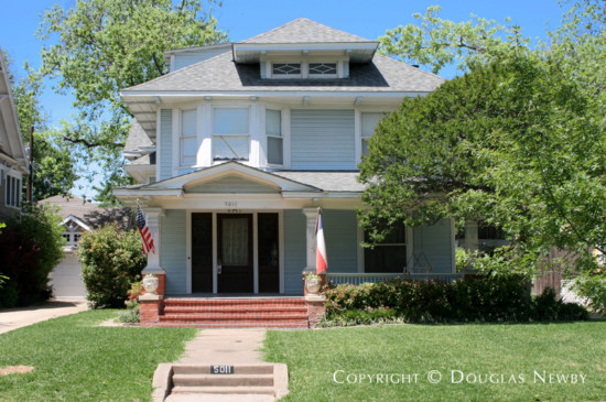 Residence in Munger Place - 5011 Victor Street