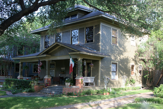Home in Munger Place - 5020 Victor Street