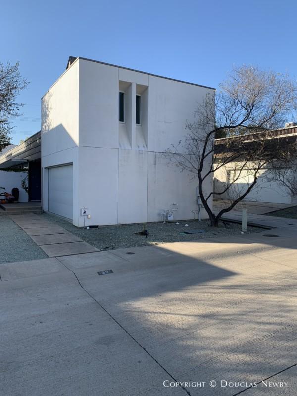 Architect-Designed Robert Meckfessel DSGN Architects, 33 Vanguard Way, Modern Residence of Urban Reserve Neighborhood, East Dallas