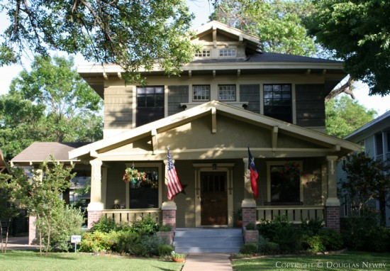 Real Estate in Munger Place - 5206 Victor Street