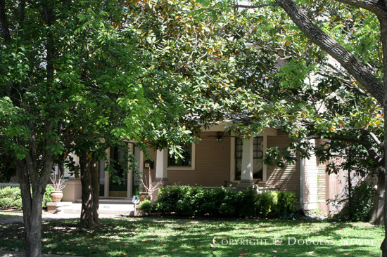 House in Munger Place - 4912 Worth Street