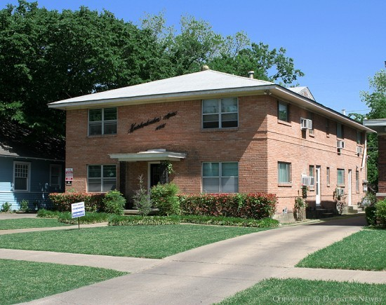 Residence in Munger Place - 4916 Worth Street