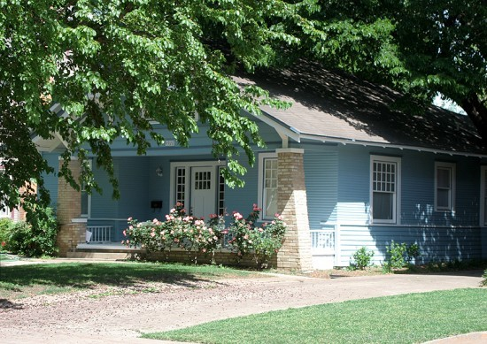 Residence in Munger Place - 4920 Worth Street
