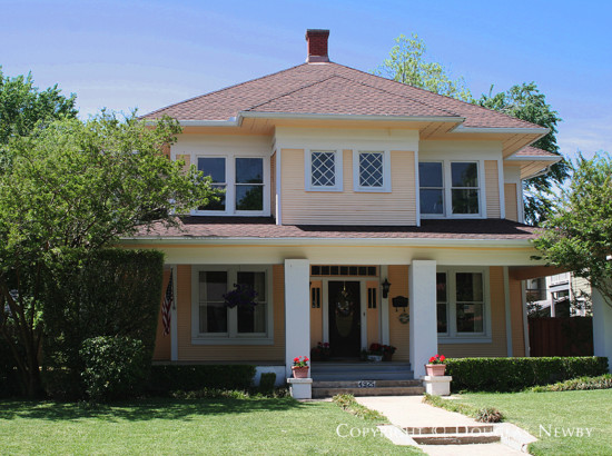 Home in Munger Place - 4925 Worth Street