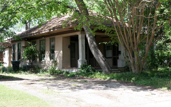 House in Munger Place - 5011 Worth Street