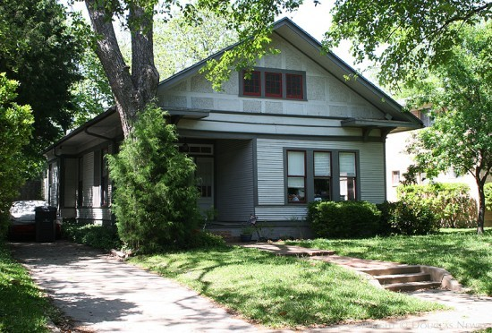 Residence in Munger Place - 5015 Worth Street
