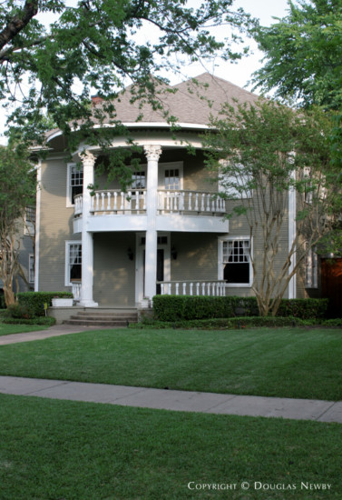 House in Munger Place - 5116 Worth Street