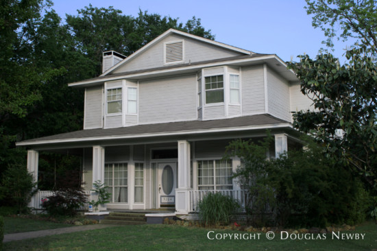 Home in Munger Place - 5204 Worth Street