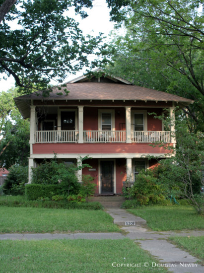 Residence in Munger Place - 5208 Worth Street
