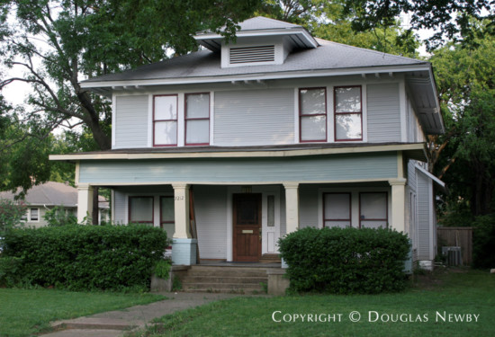 Residence in Munger Place - 5212 Worth Street