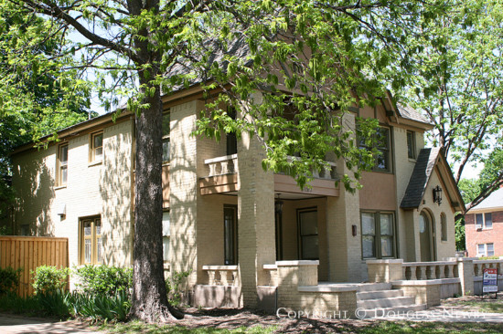 Residence in Munger Place - 5127 Worth Street