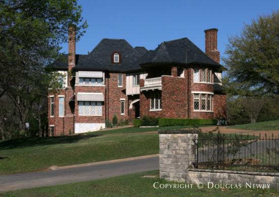 Estate Home in White Rock Lake - 4505 Chapel Hill Road