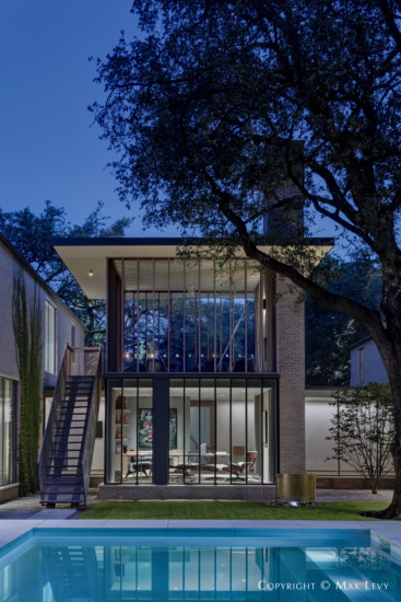 Greenway Parks Modern Home Designed by Max Levy