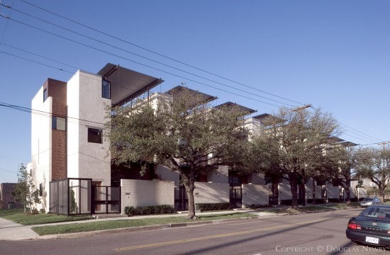 Modern House Designed by Architect Ron Wommack - Commerce Street Townhomes